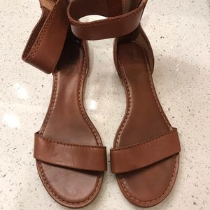 FRYE Carson Ankle Zip Flat Sandals